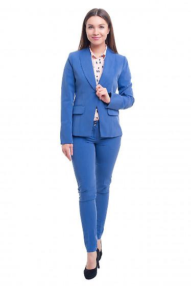 Купить зауженные голубые брюки под джинс Деловая женская одежда фото