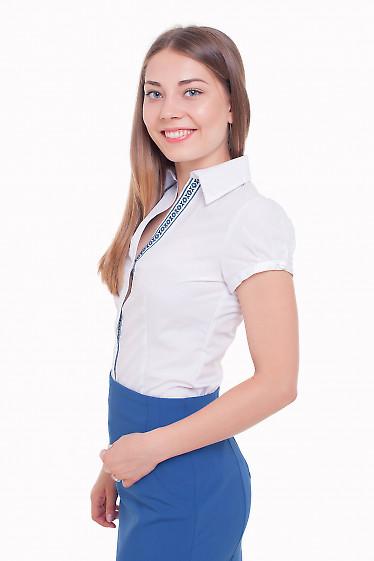 Блузка с вышивкой Деловая женская одежда фото