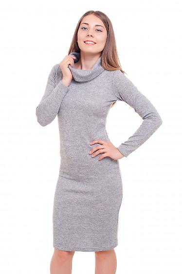 Платье с хомутом серое блестящее Деловая женская одежда фото