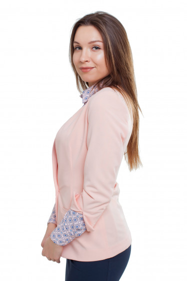 Жакет светлый Деловая женская одежда фото