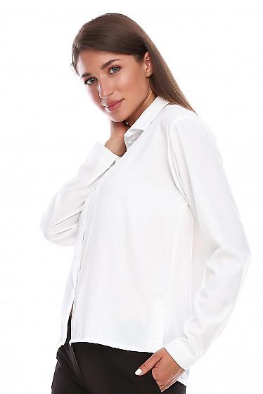 Купить блузку белую с пуговицами по бокам. Деловая женская одежда фото