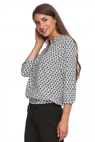Купить блузку в синий принт. Деловая женская одежда фото