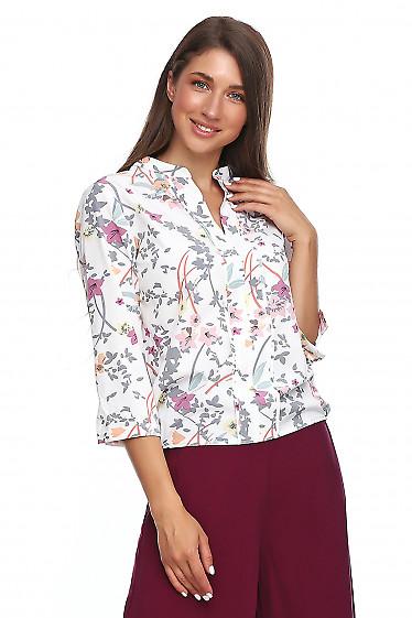Блузка в серый цветок с резинкой сбоку. Деловая женская одежда фото