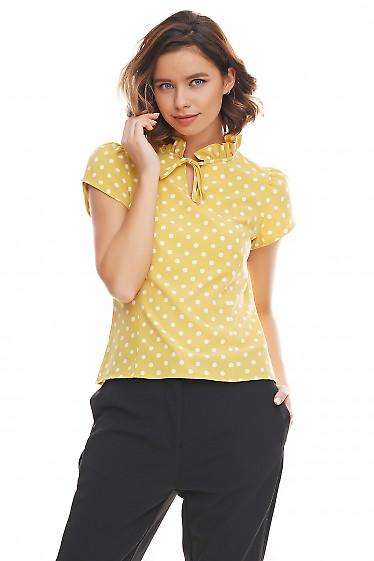 Блузка зеленая в горошек с рюшей Деловая женская одежда фото