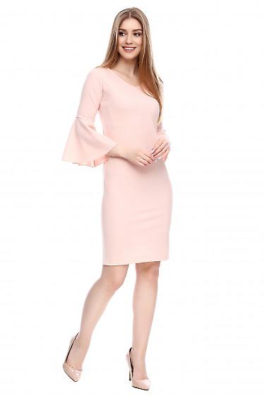 Платье бледно-розовое блестящее Деловая женская одежда фото