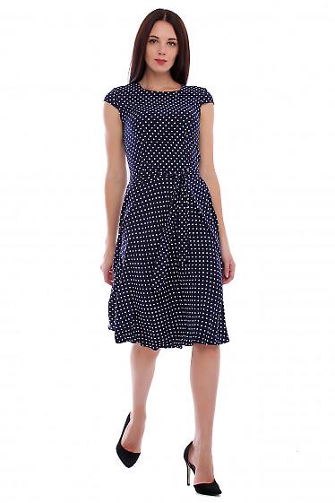 Купить платье синее в мелкий белый горох. Деловая женская одежда фото