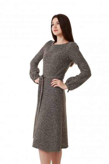 Купить платье теплое коричневое в черный ромбик Деловая женская одежда фото