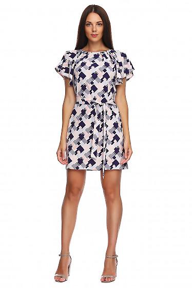 Платье в бежевые ромбы с крылышком. Деловая женская одежда фото
