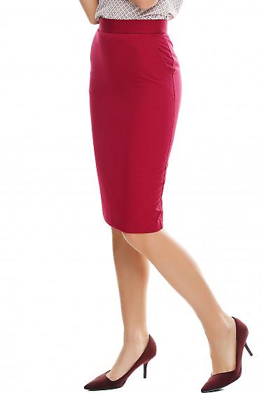 Купить малиновую юбку Деловая женская одежда фото