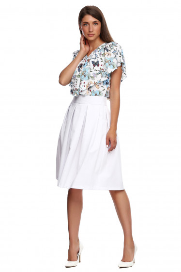 Юбка белая в складку с карманами. Деловая женская одежда фото