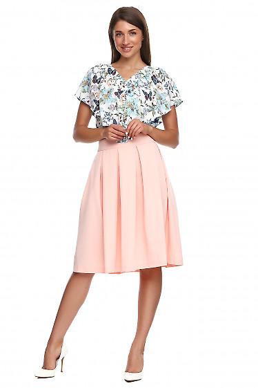 Юбка персиковая в складку с карманами. Деловая женская одежда фото