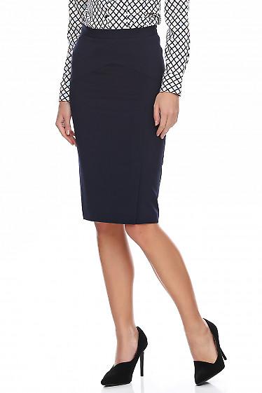 Юбка синяя с косой кокеткой. Деловая женская одежда фото