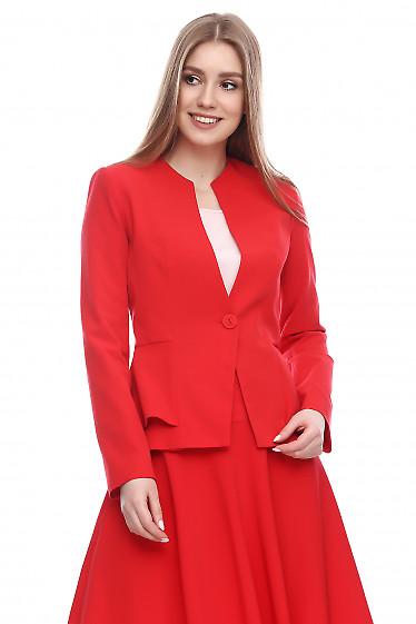 Жакет с баской красный Деловая женская одежда фото
