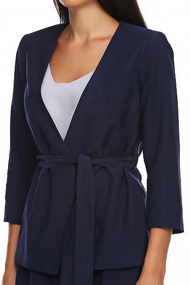 Купить жакет синий на запах с поясом. Деловая женская одежда фото