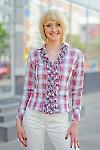Блузка в клетку с рюшем Деловая женская одежда