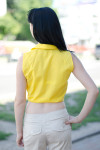 Блузка желтая на завязках вид сзади Деловая женская одежда