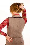 Фото Жилетка из коричневого твида. Вид сзади Деловая женская одежда